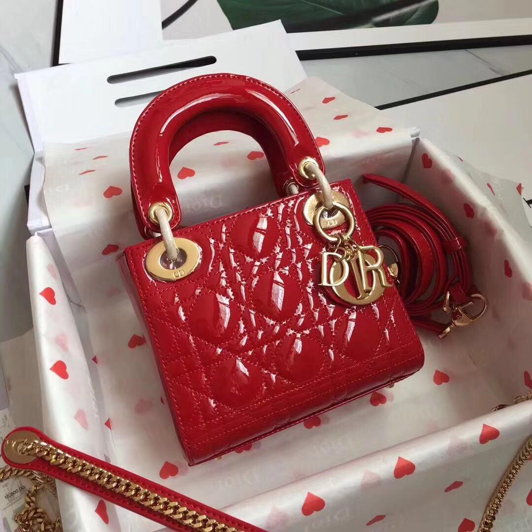 3格Dior.Lady 大红漆皮袖珍手提包 尺寸:17x15x7cm