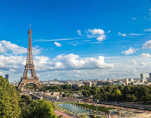 法国巴黎埃菲尔铁塔风景高清图片