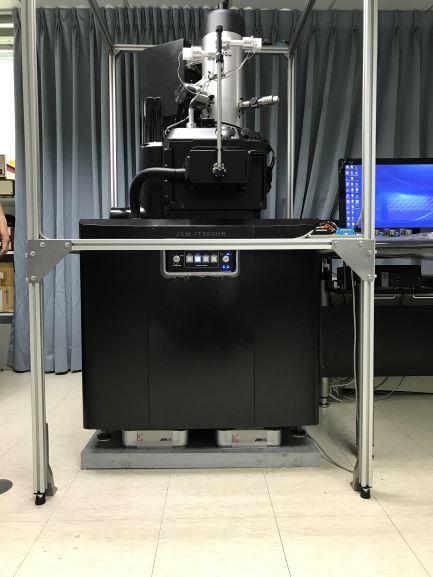 扫描电子显微镜主动防震台.jpg