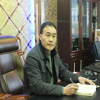 胡義有: 現任博文中學校長