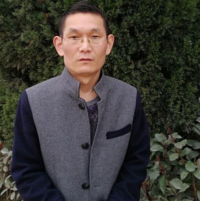 政治老师 张世东