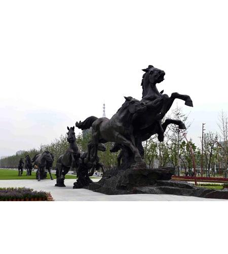 2014 青奥主题雕塑《九骏》