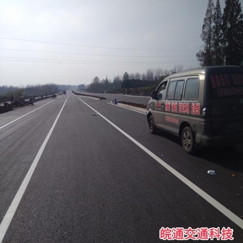 滁州敬梓路道路标线施工