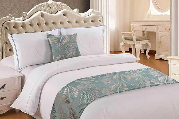 酒店床尾巾.jpg