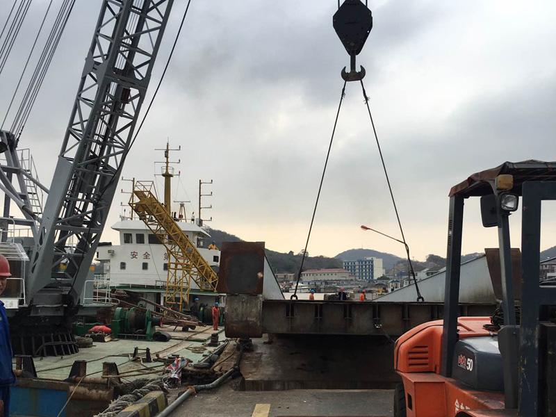 码头引桥吊装