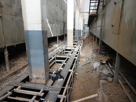山东蓝帆新材料有限公司钢结构厂房纠偏